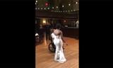 Người cha bị liệt 10 năm vẫn khiêu vũ cùng con gái trong ngày cưới