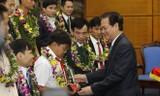 Thủ tướng trao giải thưởng Gương mặt trẻ tiêu biểu