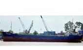 Tạm giữ một tàu vận chuyển chất thải nguy hại