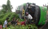 Lật xe khách, 6 người thương vong