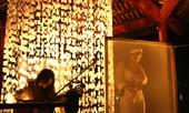 Tám nhà thơ trên sân khấu sáu mặt