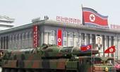 Triều Tiên 'khoe' tên lửa mới trong lễ diễu binh