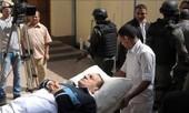 Cựu tổng thống Ai cập lại hầu tòa trên giường bệnh