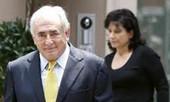 Vợ chồng 'cựu tổng' IMF kiện báo chí