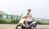 Những sai lầm của phụ nữ khi đi xe máy