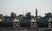 Xe quân sự Mỹ dàn hàng tiến vào Ukraine