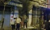 Nam thanh niên tạt xăng đốt cửa hàng của bạn gái ở Sài Gòn