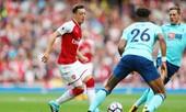 Oezil từ chối gia hạn với Arsenal vì 'hẹn hò' M.U