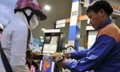 Xăng tiếp tục tăng giá, vượt mốc 18.000 đồng mỗi lít