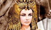 Nếu bạn đã chán ngấy đi Spa, hãy thử chống lão hóa như nữ hoàng Cleopatra