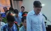 Video: Dương Tự Trọng bật khóc trước tòa