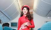 Tiếp viên Vietnam Airlines trình diễn áo dài trên độ cao 10.000m