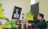 Bộ trưởng Quốc phòng dâng hương tưởng nhớ Tướng Giáp