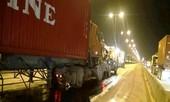 Container tông nhau vào rạng sáng, tài xế tử vong