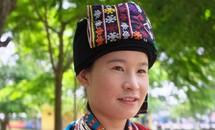 Thí sinh người Dao trong cuộc thi Hoa hậu VN 2012
