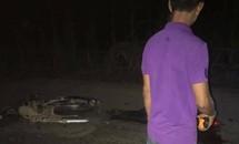 Xe máy đối đầu trong đêm, 2 thanh niên tử vong