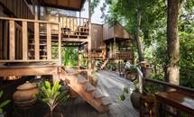 Khu nhà gỗ độc đáo 'xây 30 năm' của gia chủ Thái Lan