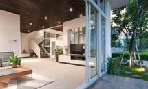 Biệt thự 'sân rộng hơn nhà' dành cho 4 thế hệ ở Hà Nội