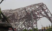 Tháp truyền hình cao 100m đổ gục 'như bún' trong bão số 10