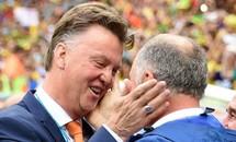 'Gừng' Scolari thua xa 'gừng' Van Gaal