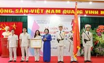 Báo Hải Quan nhận Huân chương Lao động hạng Nhất