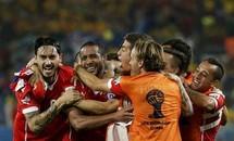 Hạ Australia 3-1, Chile khởi đầu như mơ