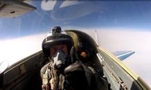 Trải nghiệm tour lái máy bay chiến đấu giá 21.000 USD