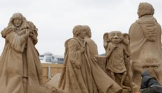 Độc đáo tác phẩm điêu khắc bằng cát