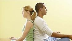 Lợi ích của Yoga và chuyện chăn gối