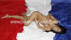 Larissa Riquelme khỏa thân