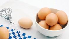 Cẩn trọng với thông tin trứng gà giả