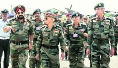 Ấn Độ bất ngờ điều 50.000 quân tới biên giới TQ