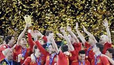 Tây Ban Nha lần đầu đoạt cúp