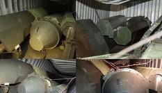 Cận cảnh tàu chở tên lửa của Triều Tiên