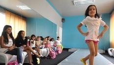 Công nghệ đào tạo hoa hậu của Venezuela, Ấn Độ, Nhật Bản