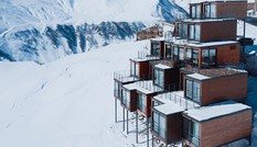 Khách sạn xây dựng bằng container