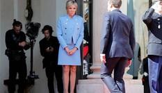 Đệ nhất phu nhân Pháp diện váy ngắn