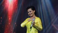 Xem Khánh Ly ở Nhà hát Lớn