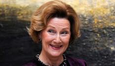 Hoàng hậu Na Uy đi dạo cùng phụ nữ nhập cư