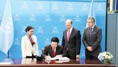 Việt Nam ký hiệp ước chống vũ khí hạt nhân