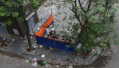 Tập trung xử lý bãi rác tự phát tại chung cư Ruby Định Công