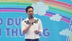MC Phan Anh làm đại sứ làng trẻ SOS, nhận nuôi 10 trẻ mồ côi