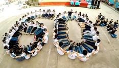"""Hơn 500 sinh viên dọn dẹp môi trường hưởng ứng """"Giờ trái Đất"""""""