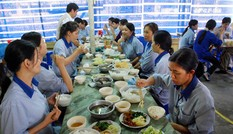 Gần 30 công nhân nhập viện nghi ngộ độc thực phẩm