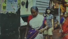 Nữ sinh Việt một mình khám phá đất Ấn Độ