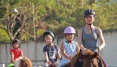Đầu năm Ngọ, giới trẻ Sài thành đi học cưỡi ngựa