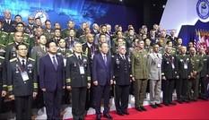 Trung tướng Phạm Hồng Hương dẫn đầu đoàn dự Hội nghị Tư lệnh Lục quân Thái Bình Dương