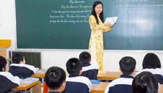 Có nên đối xử với nhà giáo như nhân viên công ty?