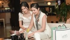 Á hậu Thanh Tú lắng nghe Ngọc Hân chia sẻ về khởi nghiệp