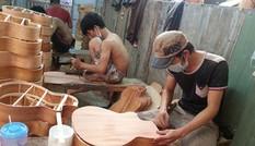 Thanh niên giữ lửa làng nghề